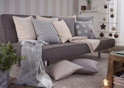 Sofadetails, Kissen und Decken für Jedermann